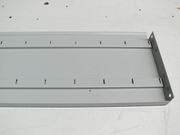 Hinteranschlag für Lagerwannenteiler passend für 970 mm breite Fachböden Stecksystem